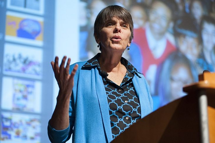 Mary Beth Tinker speaking at a podium