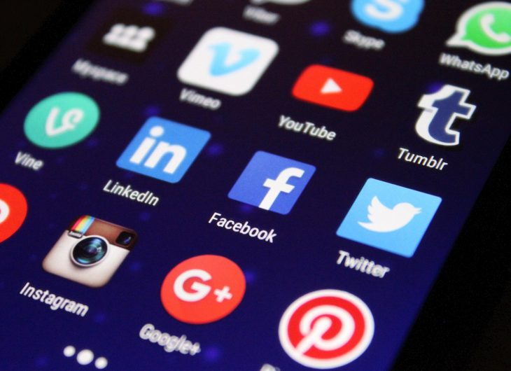 Social media apps on a smart phone
