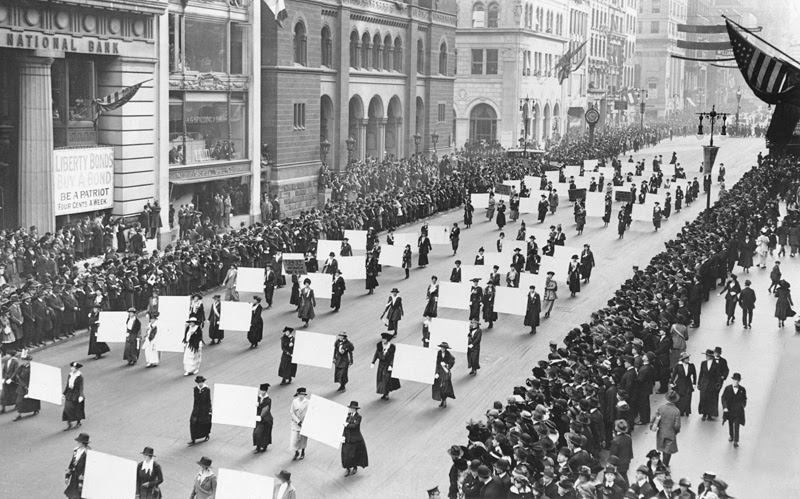 Suffragettes parade down 5th Avenue. From Wikimedia Commons.